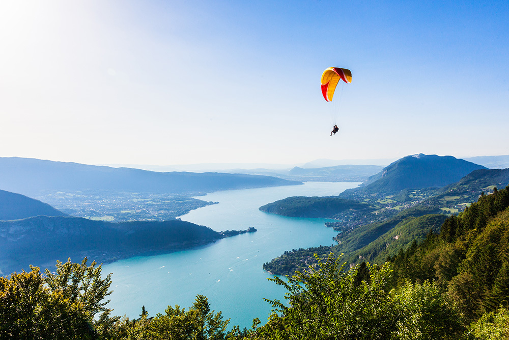 Annecy lake from Col du Forcla paraglide