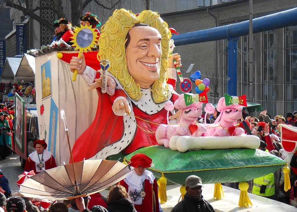 Carnival Float Berlesconi Credit Ruck Sack Kruemel
