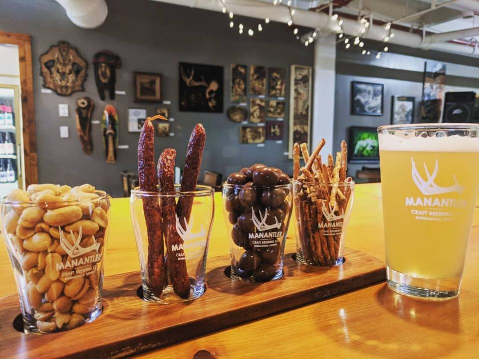 Manantler Craft Brewing Co Beer and Snacks