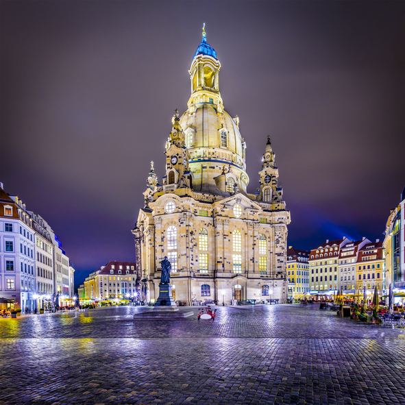 Neumarkt Square and Frauenkirche at night