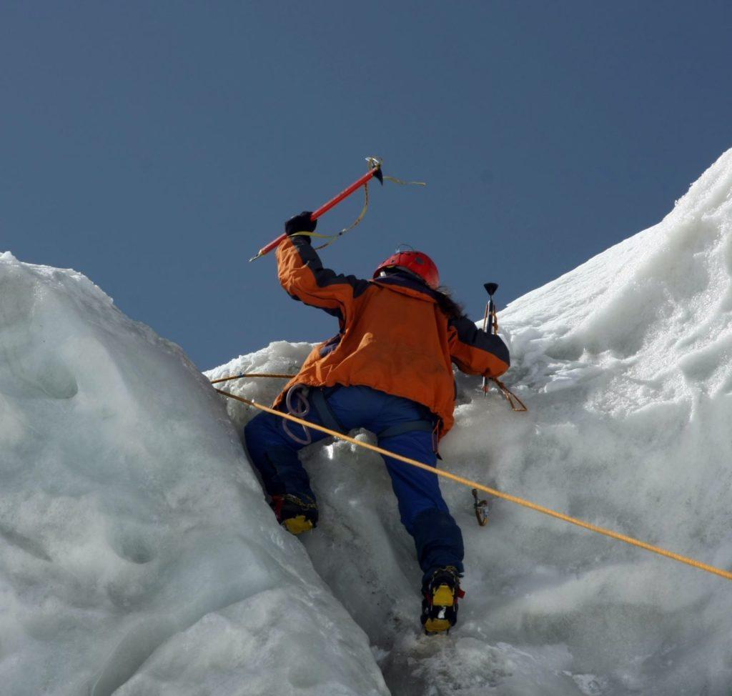 Ice climbing Haliburton 1