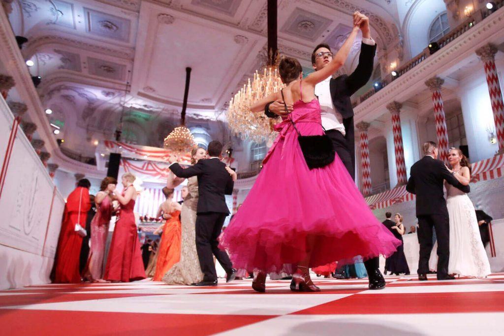 Vienna Dance Gettyimages 451358364